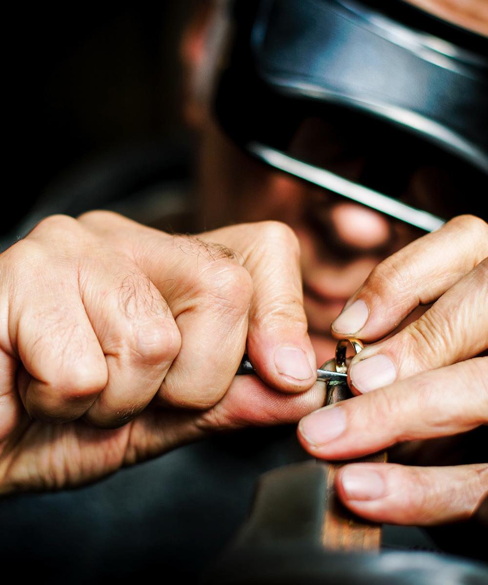Artisan-Jeweler